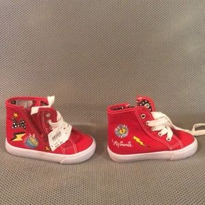 NWT Minnie Mouse sneakers (toddler)